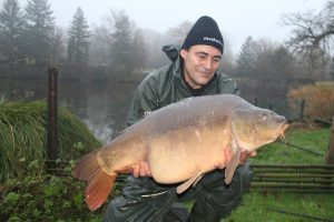 Charmant-Eric met 16 kg. spiegel